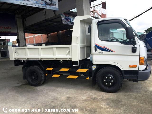 Xe ben Hyundai hd65 1t75 hạ tải vào thành phố