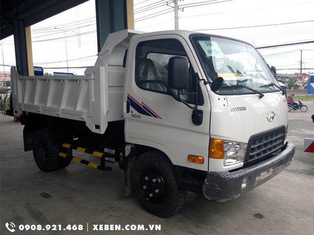 xe tải tự đổ Hyundai 1.75 tấn hạ tải vào thành phố